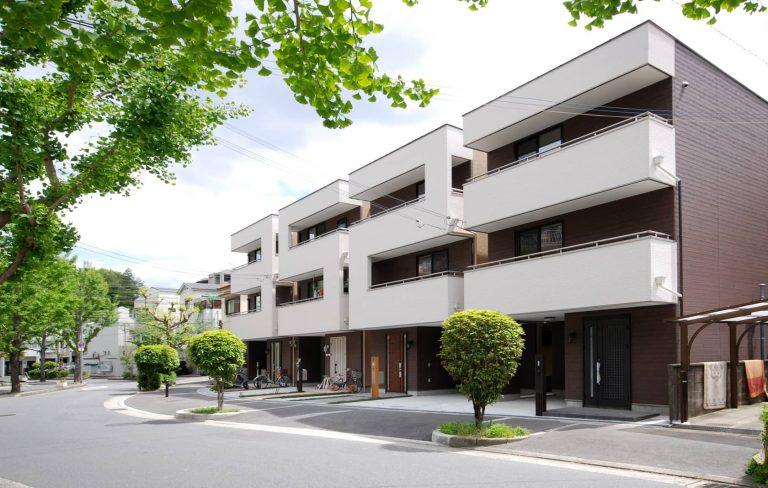 Perspectiva de la fachada de la casa Números en Japón.