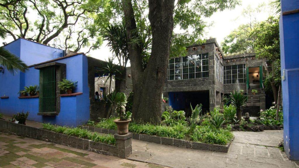 Fachada interior de la Casa Azul.