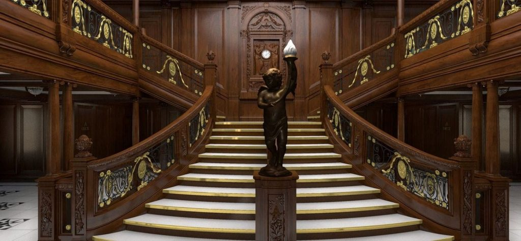 Lujosa escalera imperial de madera