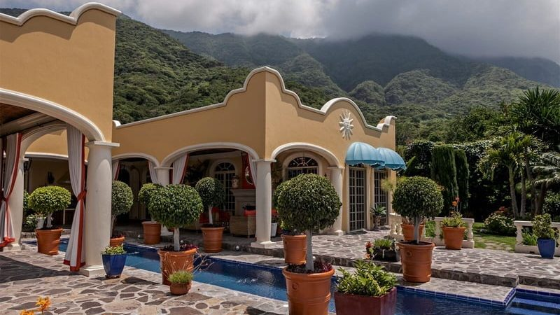 Casas estilo colonial.